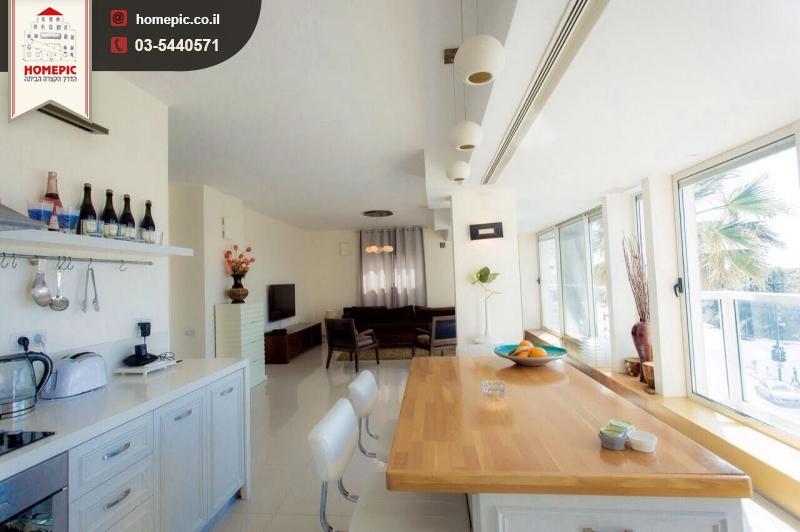 מפוארת בירקון דירת 3 חדרים עם נוף עוצר נשימה!!!! - Homepic PH-91